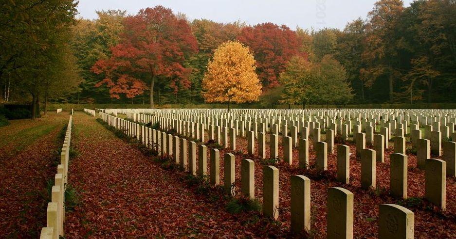 Reichswald-Forest-Cemetery0000