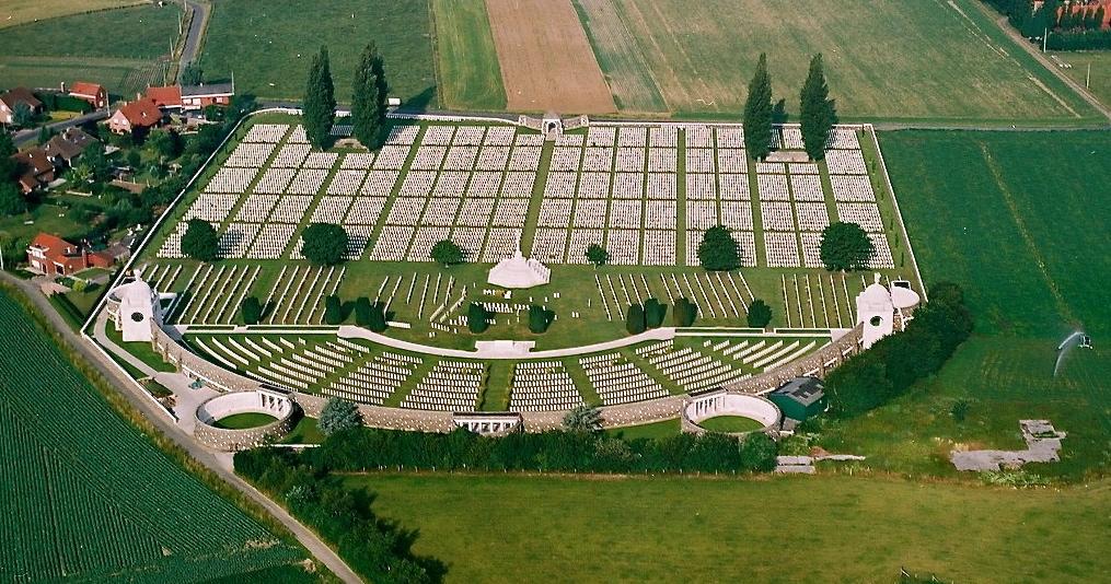 Tyne-Cot-Cemetery-Passchendaele0000
